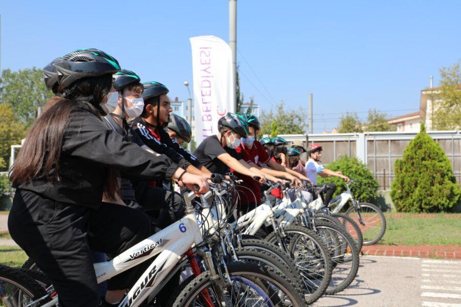 İzmit'te Pedallar Sağlık İçin Çevrildi