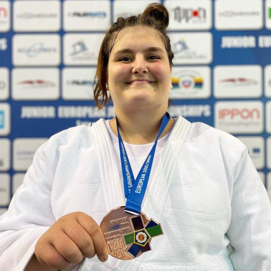 Salihli Belediyespor'un Milli Judocusu Hilal Öztürk Avrupa 3.'sü Oldu